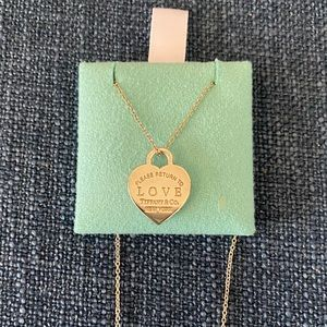 Return to Tiffany LOVE Heart Tag Pendant Necklace